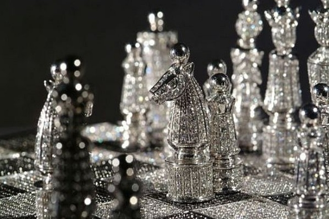 Royal-Diamond-Chess-Set